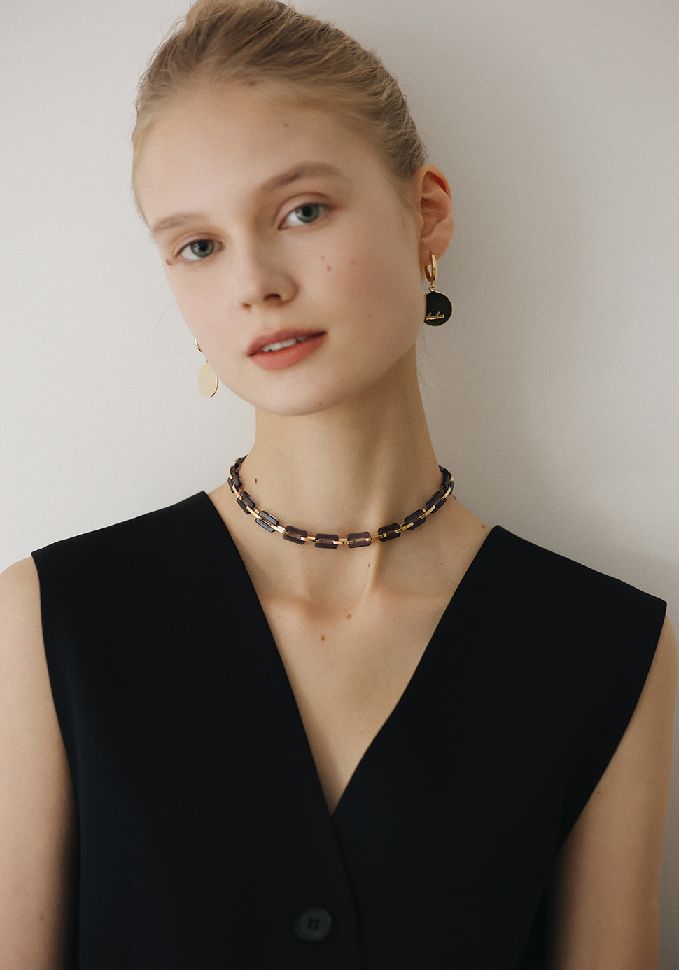 Acrylic Chain Necklace (navy-2 length)