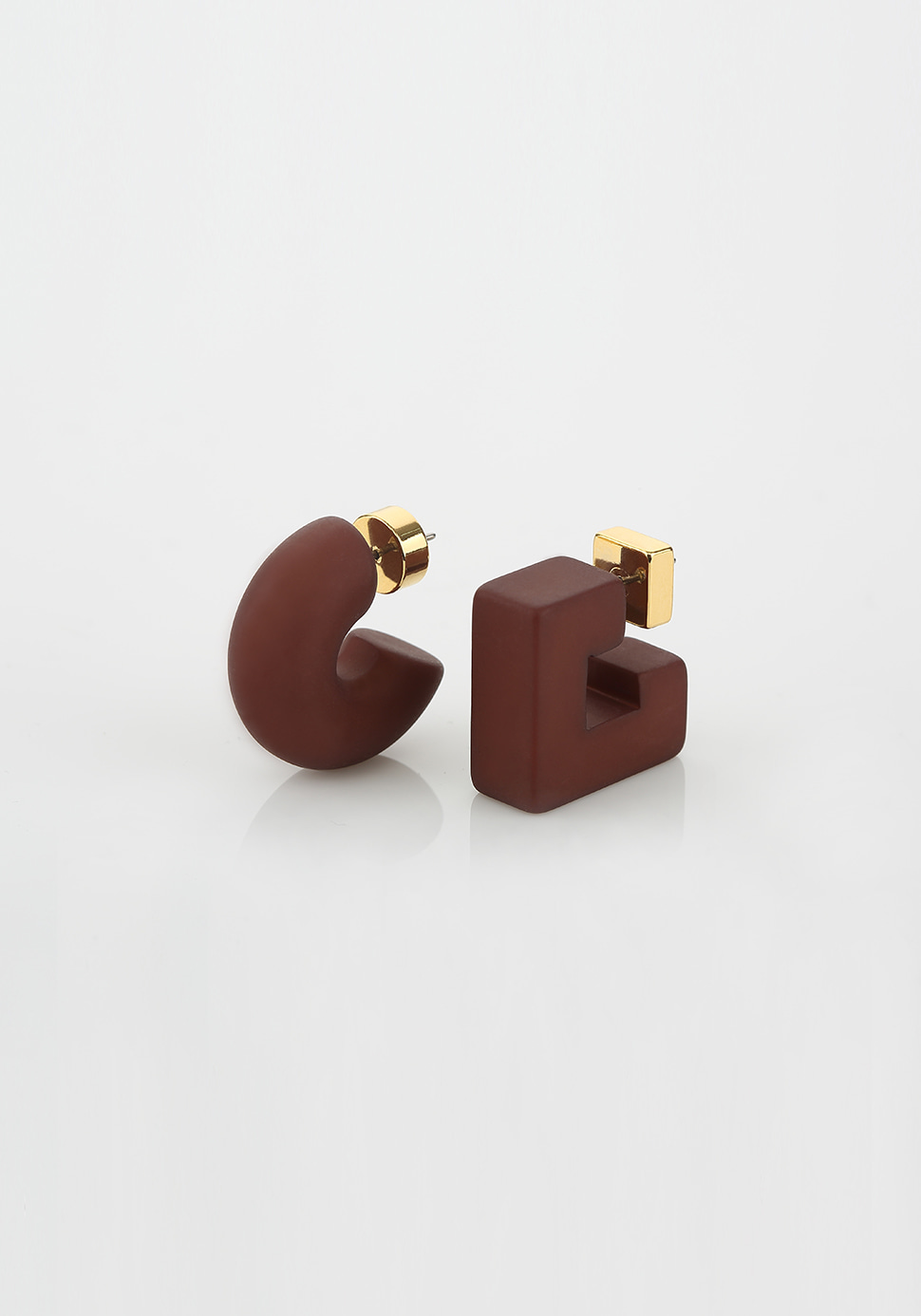 Puffy Pipe Earring (brown)